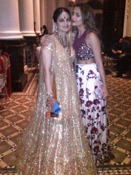 Arpita Khan & Amrita Arora Pictures