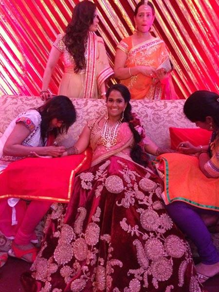 Aprita Khan Mehndi Pictures