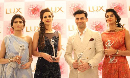 LUX Showbiz Awards Show 2014 Images