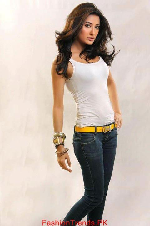 Mehwish Hayat Hot Sexy Photo