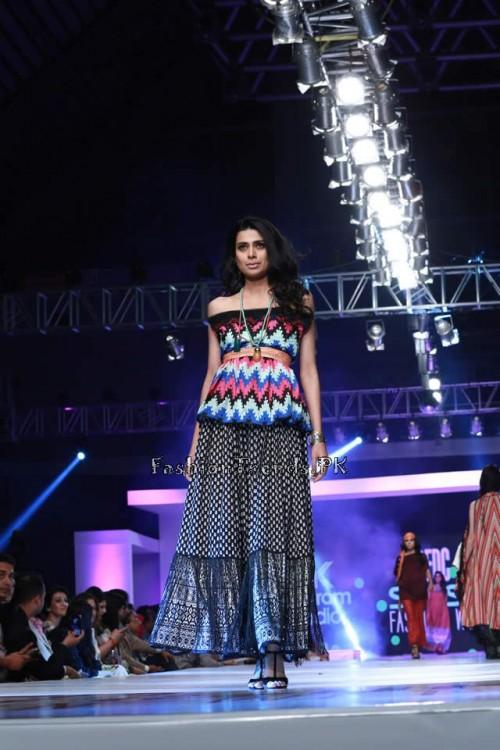 Alkaram 'Savoir Vivre' Collection at PFDC Sunsilk Fashion Week 2015 (2)