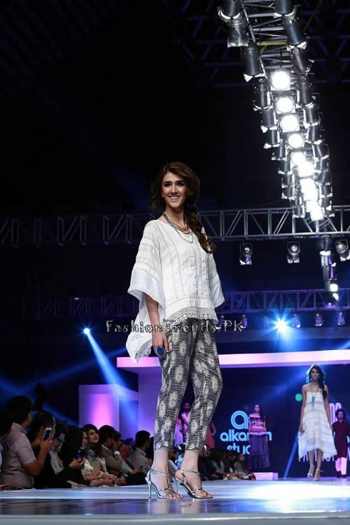 Alkaram 'Savoir Vivre' Collection at PFDC Sunsilk Fashion Week 2015 (10)