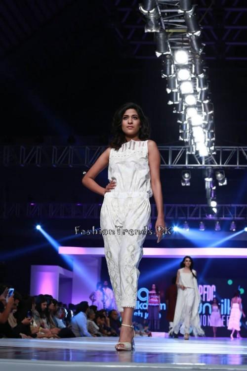 Alkaram 'Savoir Vivre' Collection at PFDC Sunsilk Fashion Week 2015 (13)