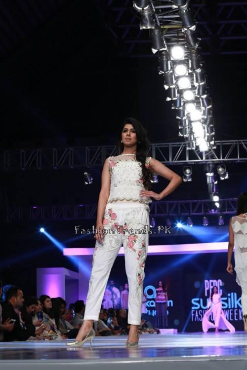 Alkaram 'Savoir Vivre' Collection at PFDC Sunsilk Fashion Week 2015 (19)