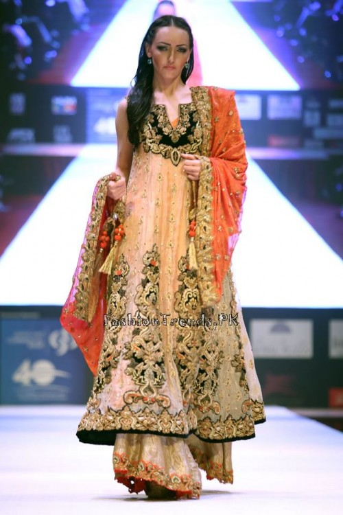 Asim Jofa Collection at IFF of Doha 2015 (6)