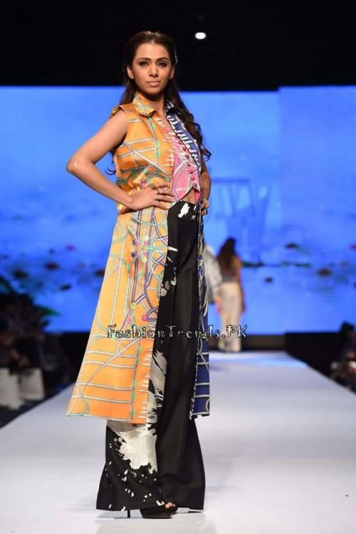 Sania Maskatiya Luxury Pret Collection at TPFW 15 (3)