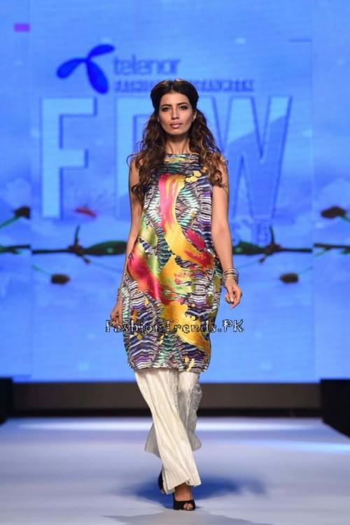 Sania Maskatiya Luxury Pret Collection at TPFW 15 (8)