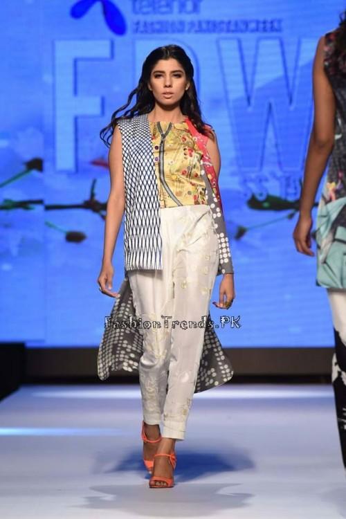 Sania Maskatiya Luxury Pret Collection at TPFW 15 (10)