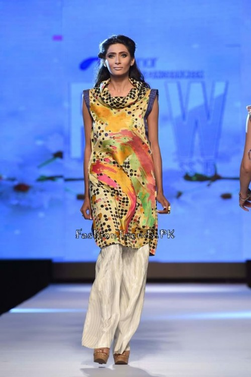 Sania Maskatiya Luxury Pret Collection at TPFW 15 (12)