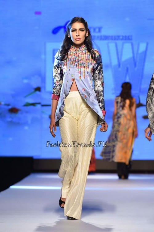 Sania Maskatiya Luxury Pret Collection at TPFW 15 (13)