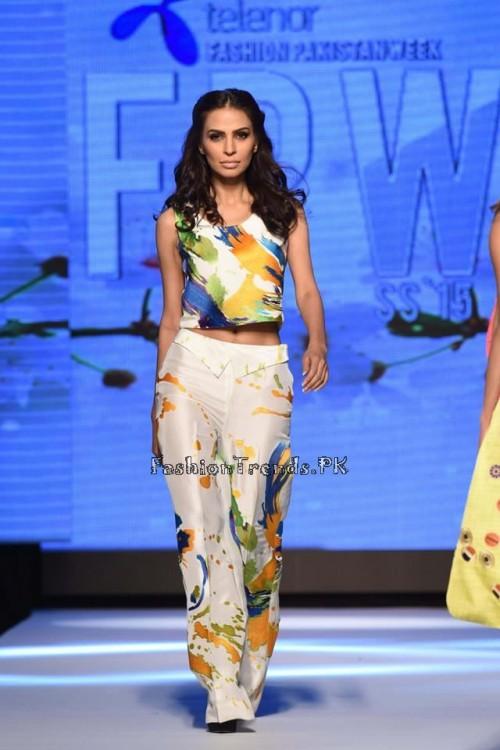 Sania Maskatiya Luxury Pret Collection at TPFW 15 (14)