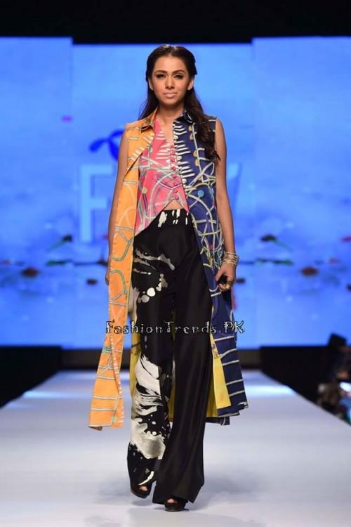 Sania Maskatiya Luxury Pret Collection at TPFW 15 (15)