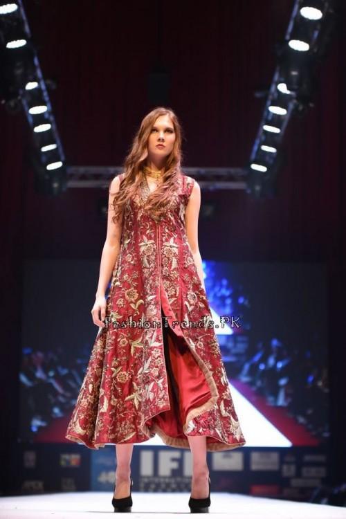 Rana Noman Haq Bridal Collection at International Fashion Festival 2015 (1)