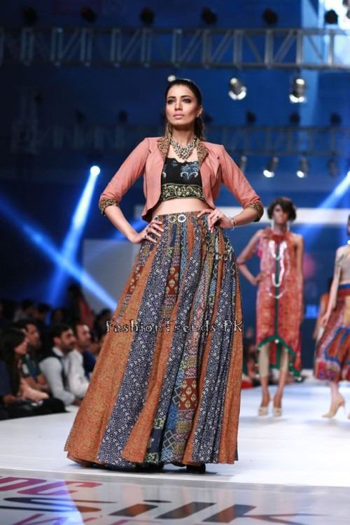 Shirin Hassan 'Rock N Rolla'Col. at PFDC Sunsilk Fashion Week 2015 (3)