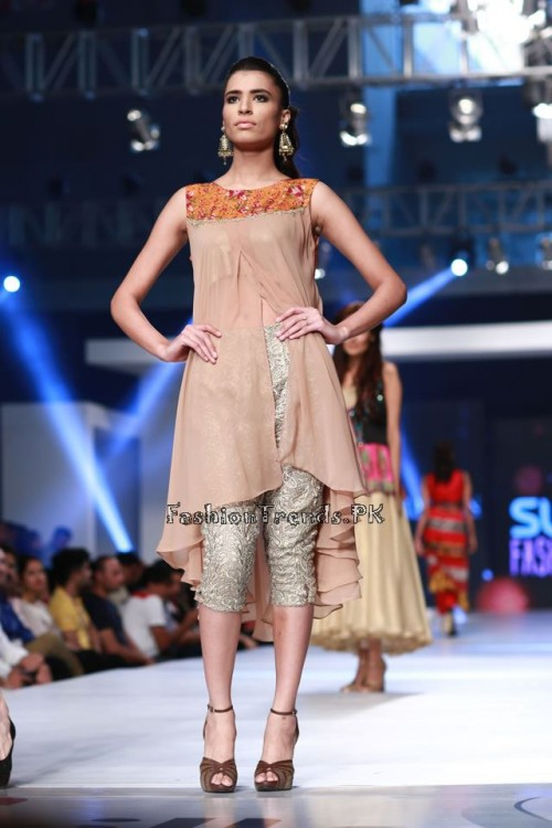 Shirin Hassan 'Rock N Rolla'Col. at PFDC Sunsilk Fashion Week 2015 (9)