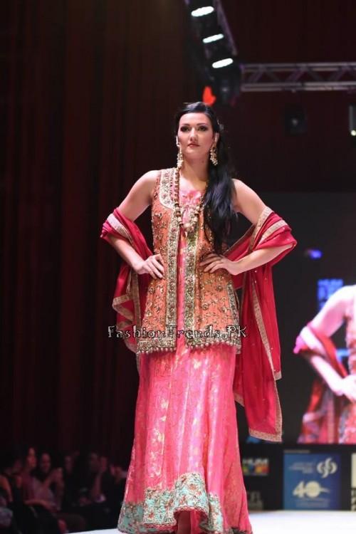 Uzma Babar Bridal Collection at IFF 2015 Doha (3)