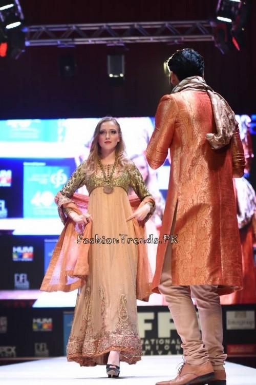 Uzma Babar Bridal Collection at IFF 2015 Doha (5)