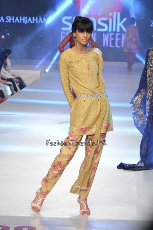 Zara Shahjahan New Vintage at PFDC Sunsilk Fashion Week 2015 (5)