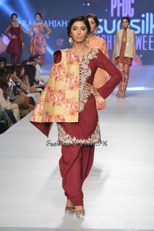 Zara Shahjahan New Vintage at PFDC Sunsilk Fashion Week 2015 (8)