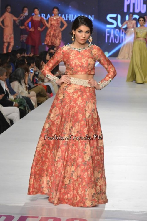 Zara Shahjahan New Vintage at PFDC Sunsilk Fashion Week 2015 (11)