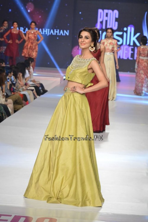 Zara Shahjahan New Vintage at PFDC Sunsilk Fashion Week 2015 (12)