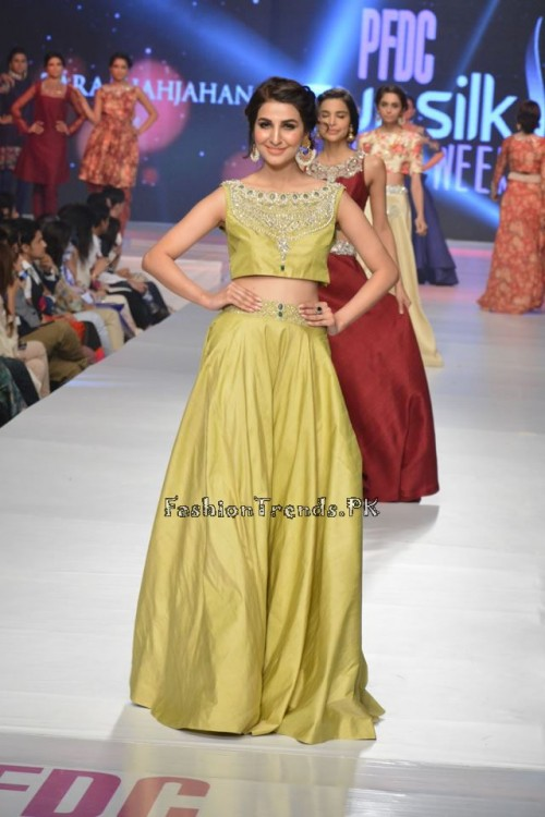 Zara Shahjahan New Vintage at PFDC Sunsilk Fashion Week 2015 (13)