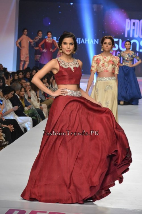 Zara Shahjahan New Vintage at PFDC Sunsilk Fashion Week 2015 (15)