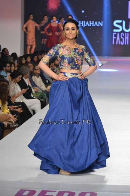 Zara Shahjahan New Vintage at PFDC Sunsilk Fashion Week 2015 (17)