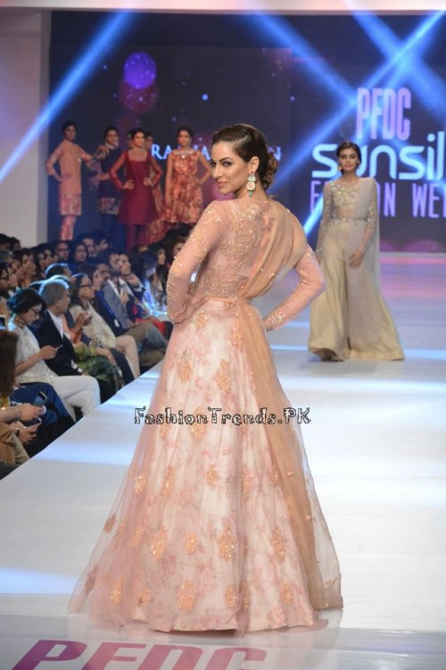 Zara Shahjahan New Vintage at PFDC Sunsilk Fashion Week 2015 (21)