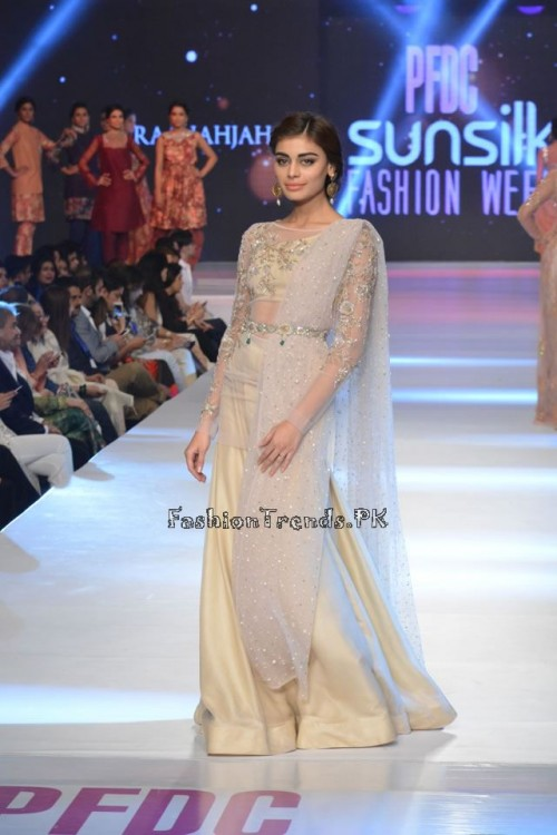 Zara Shahjahan New Vintage at PFDC Sunsilk Fashion Week 2015 (22)