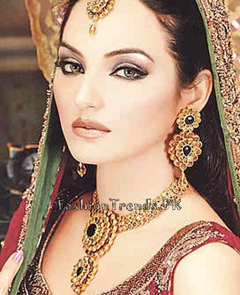 Gold Jewellery Set 2015 Designs For Brides (2)