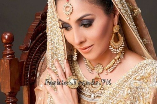 Gold Jewellery Set 2015 Designs For Brides (4)