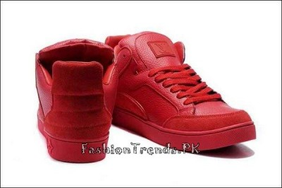 Trend of Red Bottom Shoes in Pakistan 2015 (1)