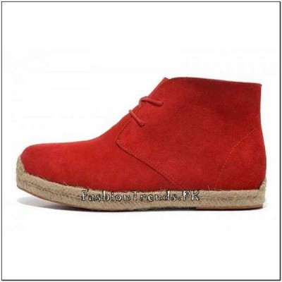 Trend of Red Bottom Shoes in Pakistan 2015 (3)