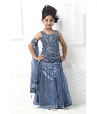Attractive-Kids-Lehenga-Choli-Designs-For-Summer-3