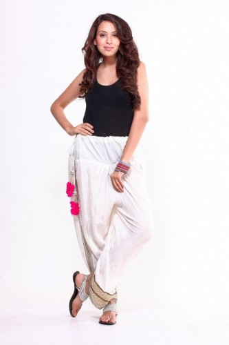 Hottest-Fashion-of-dhoti-pant-For-stylish-girls-2015-13-683x1024