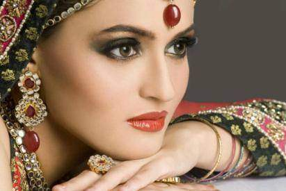 Pakistani bridal makeup collection 2015 For Girls-3