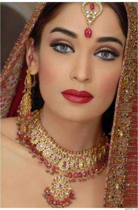 Pakistani bridal makeup collection 2015 For Girls-2