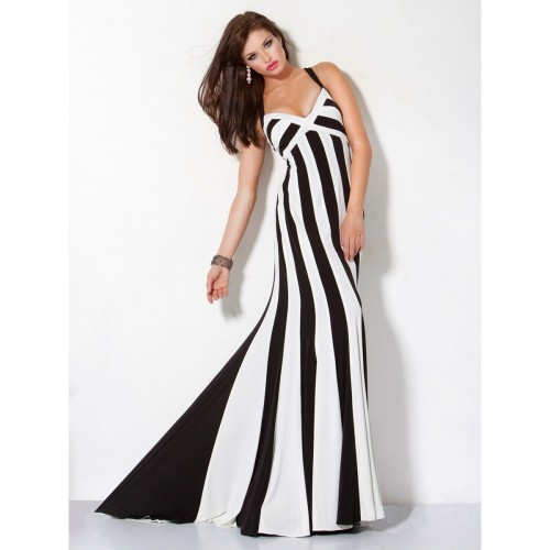 Discover the classic pairing that's always in style at Lulus! The best selection of black and white dresses, shoes, bottoms, tops, and more. Buy now!