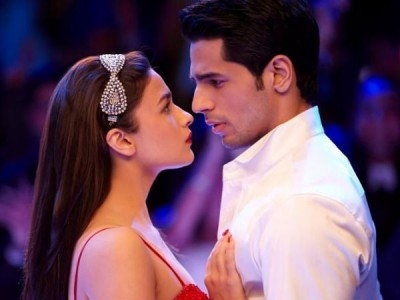 21-1442829548-alia-bhatt-all-set-to-marry-sidharth-malhotra1