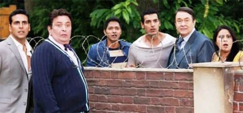 Akshay Kumar, Rishi Kapoor, Shreyas Talpade, John Abraham, Ranbir Kapoor and Neelu Kohli in Housefull 2