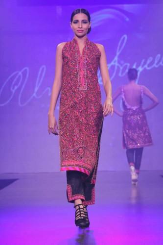 Umar_Sayeed_Shaan_e_Pakistan_Fashion_Show_2015_6