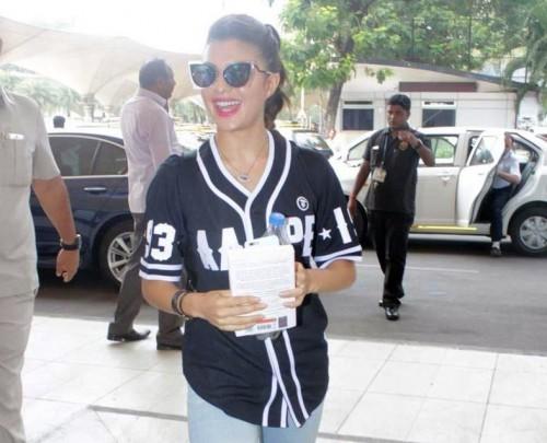 Jacqueline Fernandez Airport Look 02