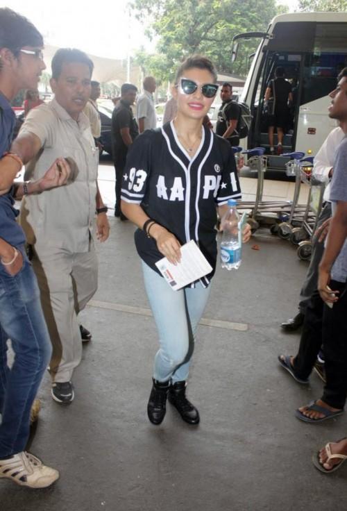 Jacqueline Fernandez Airport Look 04