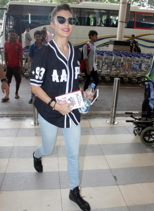 Jacqueline Fernandez Airport Look 06