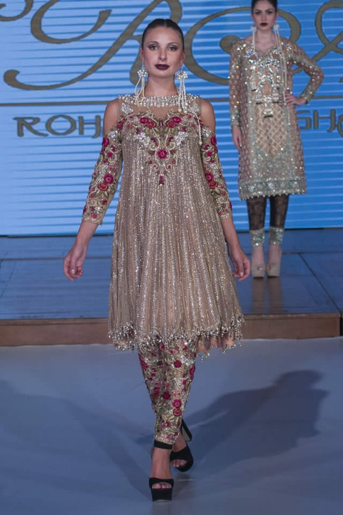Sara Rohale Asghar Bridal Dresses Pakistan Fashion Week London 2015 02