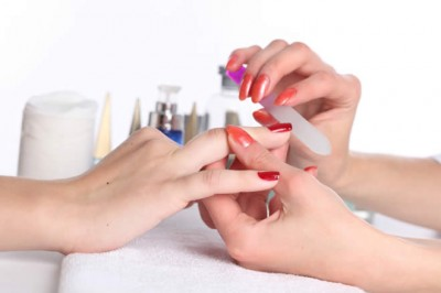 simple_Manicure_treatment