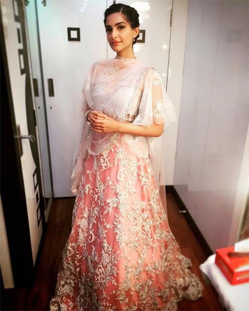 Sonam Kapoor New Look for PRDP 7