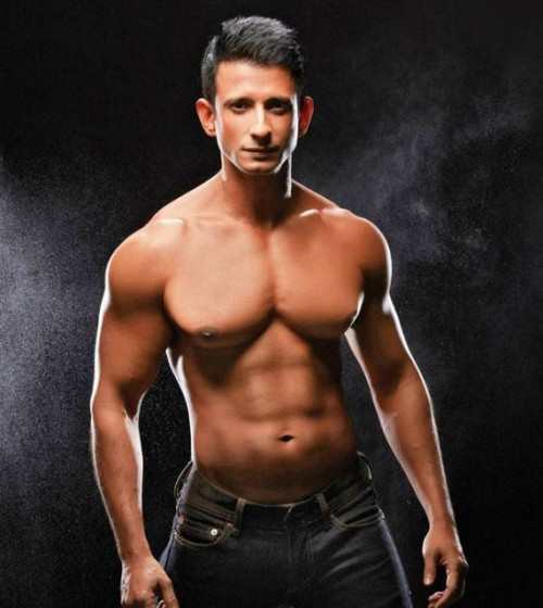 Sharman Joshi Body Look