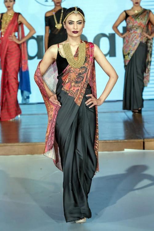 Sonya Battla Pakistan Fashion Week London 08